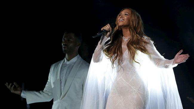 Menyusul Beyonce, ada Taylor Swift dan 5 Seconds of Summer sebagai penyanyi solo wanita dan band paling populer.