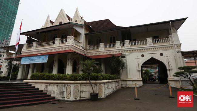 Walau profesi resminya pelukis dan hanya merancang dua bangunan, karya arsitektur Raden Saleh tersohor di mata internasional.