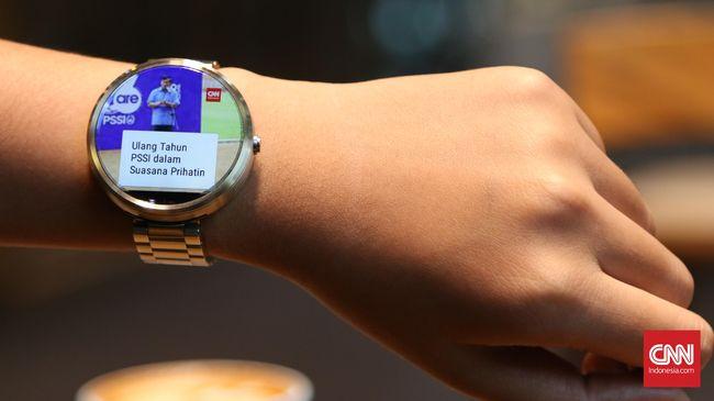 Smartwatch menjadi permukaan yang paling kotor dengan menampung lebih dari 250 koloni bakteri per sentimeter persegi.