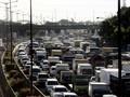 Kepadatan Kendaraan Tol Cikampek Terasa Hingga Jatiwaringin