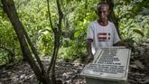 Batu nisan didirikan di Hutan Plumbon, Semarang, Jateng. Tempat itu diyakini jadi kuburan 24 orang korban tragedi 1965.