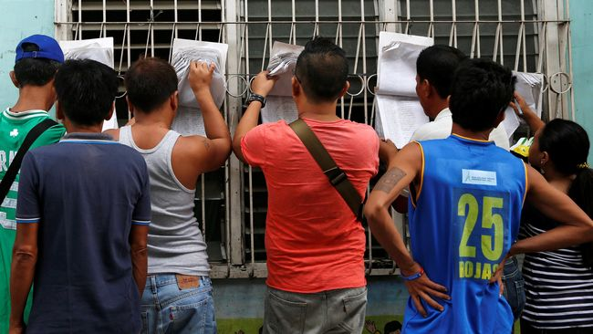 Filipina menggelar referendum penentu perluasan otonomi daerah mayoritas Muslim yang tertuang dalam undang-undang hasil kesepakatan damai pemerintah dan MILF.