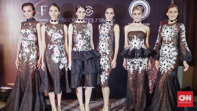 Untuk pertama kalinya desainer Indonesia akan berpartisipasi di acara mode bergengsi, Paris Haute Couture, pada 3 Juli 2016.