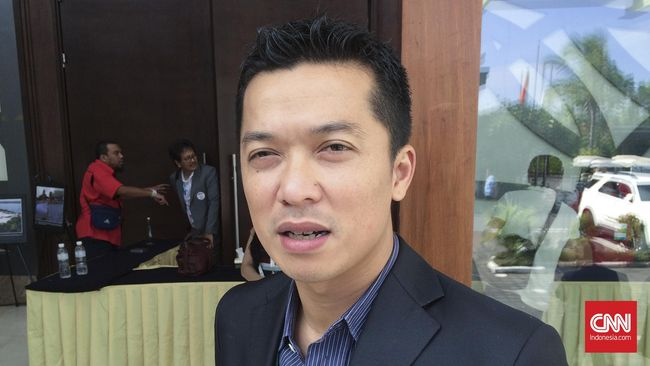 Mantan atlet bulu tangkis, Taufik Hidayat. (CNN Indonesia/Arby Rahmat Putratama)