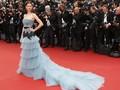 Baju-baju Menawan di Karpet Merah Cannes