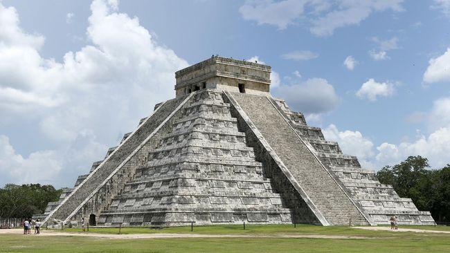 Istana suku Maya berusia 1.000 tahun ditemukan di Meksiko. Reruntuhan istana ditemukan di situs arkeologi Kuluba di negara bagian Yucatán.