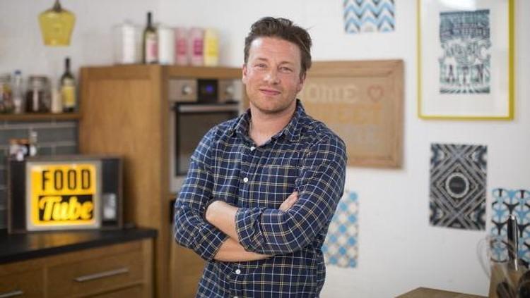 Berkat aksi heroik Jamie Oliver sendiri, rumahnya gagal kebobolan maling.