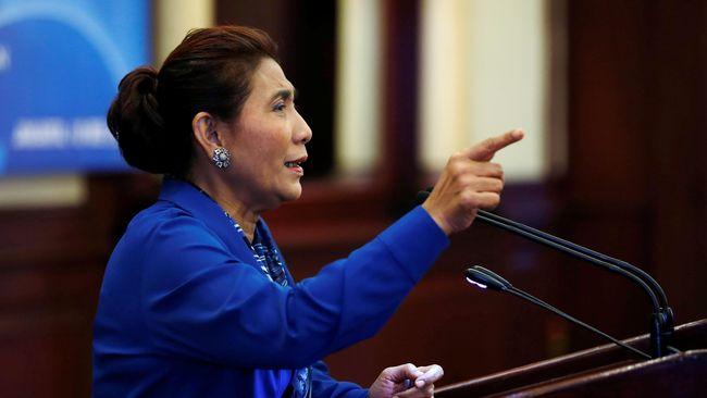 Menurut Menteri KKP Susi Pudjiastuti, kejahatan pencurian ikan sering dibarengi dengan penyelundupan berbagai barang termasuk narkotik.