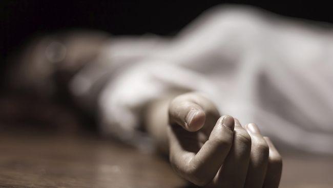 Jasad perempuan dalam kantong plastik di Bogor diduga tewas dicekik berdasarkan hasil visum. Polisi masih berupaya mengejar pelaku.