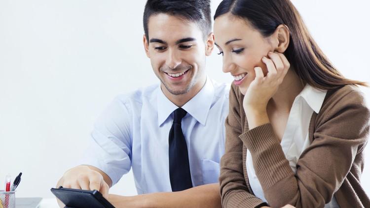 Bunda mau tahu bedanya suami hemat atau pelit? Simak penjelasannya berikut ini.
