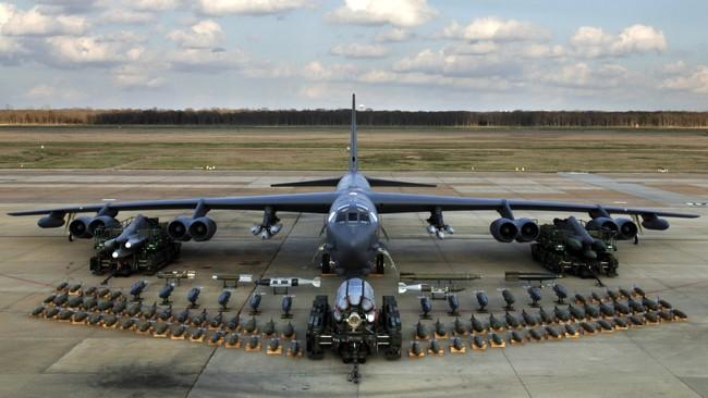 Trump Kirim Pesawat Pembom B-52 ke Timur Tengah