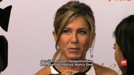 Jennifer Aniston Kabarkan Kematian Ibundanya