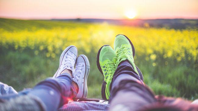 Ilustrasi bersantai dengan pasangan