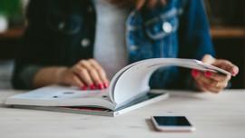 Survei: Wanita Suka Membaca Terlihat Seksi Bagi Pria