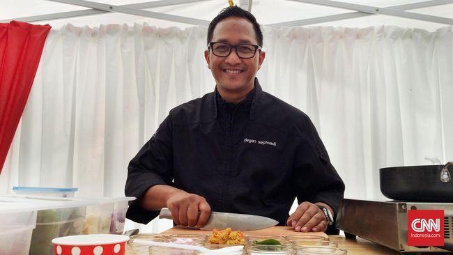 Dalam wawancara dengan CNNIndonesia.com, chef Degan, begitu dia akrab disapa menyebut bahwa Bondan adalah sosok pakar kuliner Indonesia yang luar biasa.