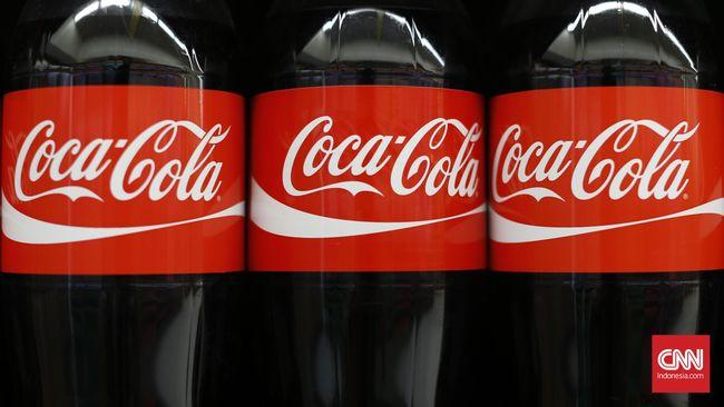 Coca Cola harus kehilangan nilai pasar Rp57 triliun akibat aksi Christiano Ronaldo menyingkirkan minuman mereka di konferensi pers Piala Eropa.