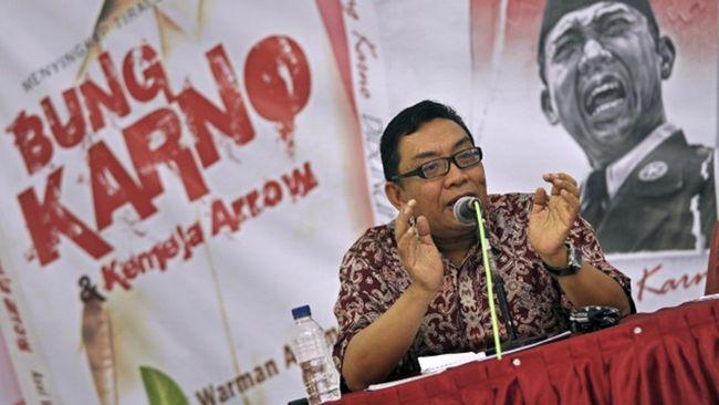 Mayor Jenderal Purn Kivlan Zen, dalam Simposium 'Mengamankan Pancasila dari Ancaman PKI', menuding sejumlah pihak menjadi fasilitator kebangkitan PKI.