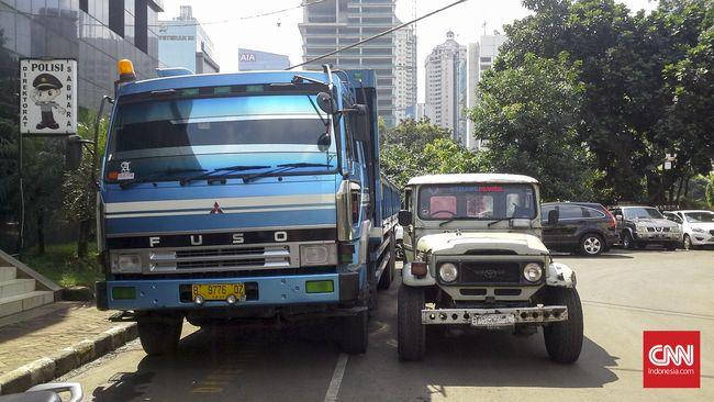 Blind spot pada truk dan bus merupakan area berbahaya saat berkendara dan bisa diantisipasi dengan mengenalnya lebih dekat.