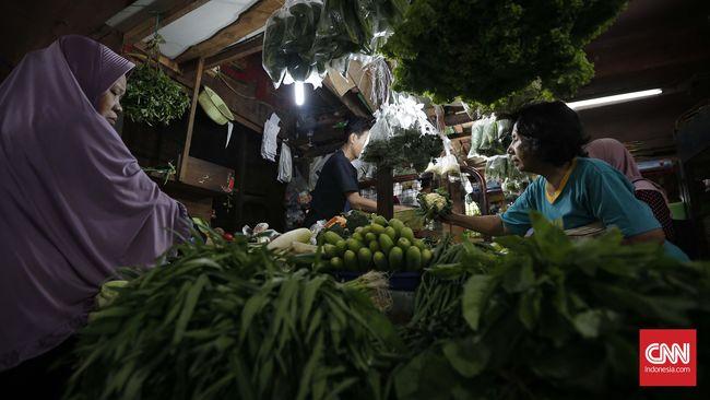 Berdasarkan pemantauan di Pasar Bojonggede, Bogor, harga petai dijual Rp20 ribu per buah, meroket dari Rp3 ribu per buah pada hari biasa.