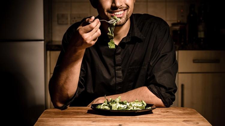 Catat, enam makanan berikut perlu dikonsumsi pria supaya Mr. P-nya sehat, Bun.