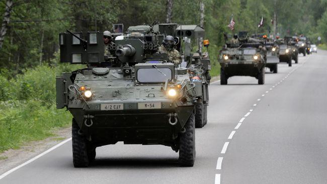 AS dan Inggris akan mengirimkan pasukan dan alutsista dalam rangka penguatan kehadiran miiliter NATO ke negara Eropa Timur yang berbatasan dengan Rusia.