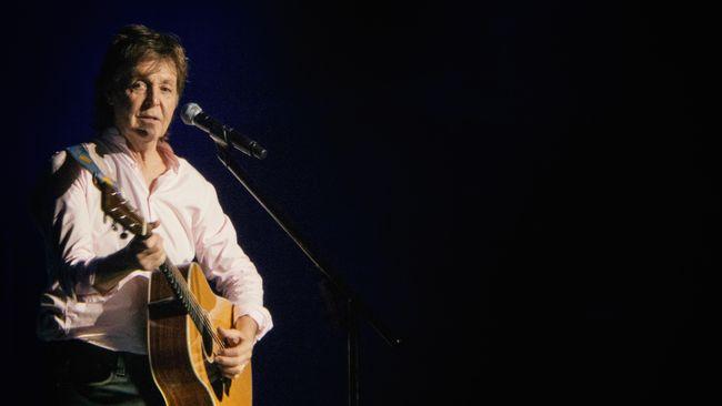 Penggawa The Beatles Paul McCartney mengaku rela menyusup ke bioskop demi menonton Yesterday, film yang berkisah ketika grup dan lagunya tak dikenal dunia.