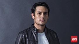 Arifin Putra Jadi Kebapakan Gara-gara Novelis