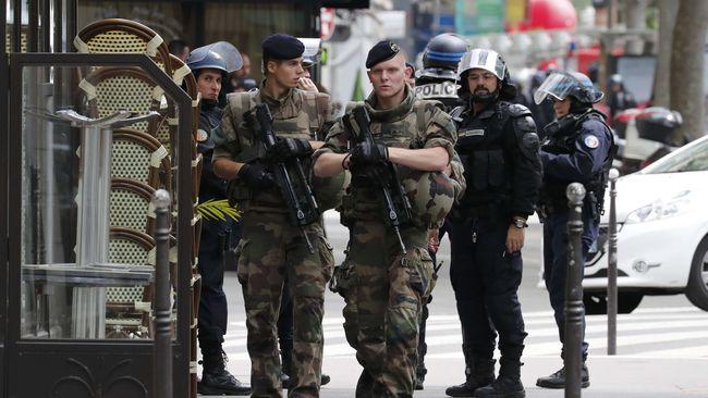 Pemerintah Perancis menghadapi tantangan berat untuk mengamankan Piala Eropa 2016 yang dibayangi ancaman serangan kelompok militan ISIS.