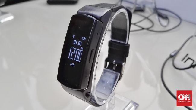 Tak hanya ponsel pintar, Infinix mencoba untuk merasakan booming pasar wearable di Indonesia dengan memboyong gelang pintar X-Band