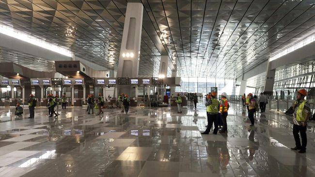 Untuk mengimbangi kecanggihan Changi, AP II berinvestasi Rp7 triliun untuk menyulap kapasitas Terminal 3 menjadi 12 juta plus kecanggihan teknologi lainnya.