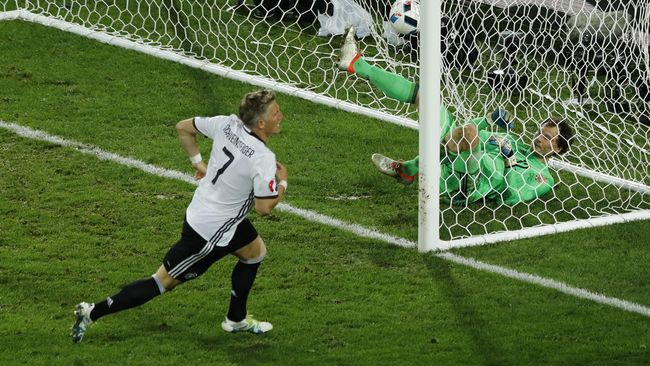 Jelang bergulirnya fase kedua Piala Eropa 2016, banyak pelajaran bisa dipetik baik oleh tim peserta maupun pihak panitia penyelenggara. Simak tiga di antaranya.