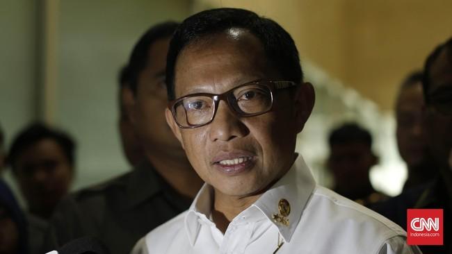 Komisaris Jenderal Tito Karnavian, lulusan terbaik Akademi Kepolisian angkatan 1987, jadi calon tunggal Kapolri. Ia langkahi lima angkatan di atasnya.