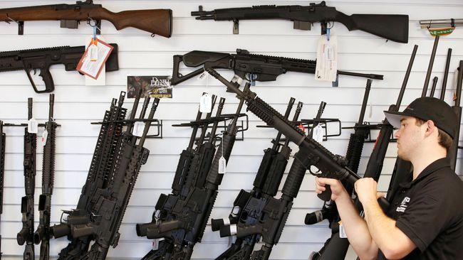 Presiden AS Donald Trump mengatakan pembantaian seperti yang terjadi di Florida pada pekan lalu dapat dicegah dengan mempersenjatai para guru.