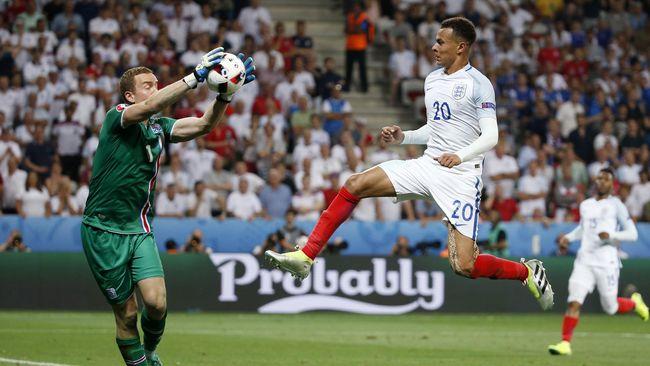 Kiper Islandia Hannes Thor Halldorsson menilai kemenangan kesebelasannya atas Inggris di babak 16 besar sebagai hal yang luar biasa dan epik.