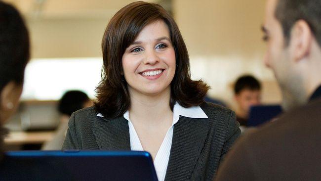 Menurut Indonesia Business Coalition for Women Empowerment (IBCWE), mayoritas perempuan memutuskan sendiri untuk tidak memiliki jenjang karir yang lebih tinggi.
