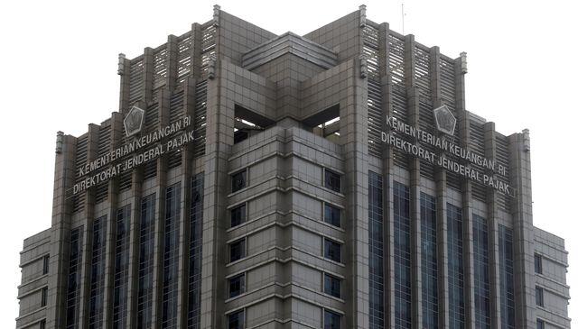 Ditjen Pajak mengaku telah menerima data simpanan warga negara Indonesia yang menjadi nasabah jasa keuangan di 58 negara, termasuk Singapura.