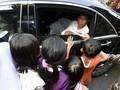 Jelang Lebaran, Jokowi Bagikan 5.300 Paket Sembako di Banten