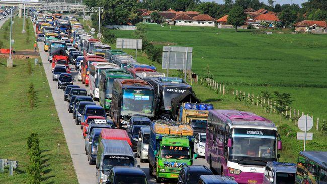 Pemerintah telah menyiapkan enam strategi selain one way untuk mengantisipasi kemungkinan kemacetan dan berbagai hal terkait arus balik Lebaran 2019.