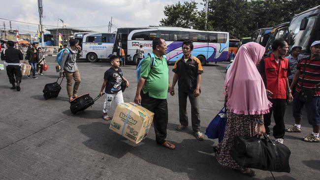 Dishub DKI menerbitkan surat penghentian layanan bus AKAP, AJAP dan bus pariwisata guna mencegah penyebaran wabah virus corona dari Jakarta ke daerah.