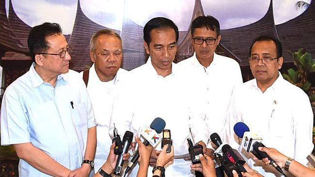 Presiden Joko Widodo memanfaatkan media sosial untuk mengimbaukan kepada para netizen agar selalu waspada terkait aksi teror.