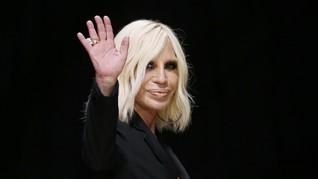 Michael Kors Caplok Versace US$2,1 Miliar