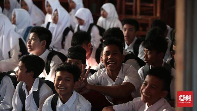 Dengan adanya penambahan jam pelajaran, memperbesar celah anak untuk mengalami kekerasan di sekolah, terutama karena minimnya pengawasan guru.