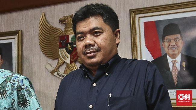 Ada lima pejabat pemerintahan yang masuk dalam tim seleksi anggota KPU. Termasuk bekas anggota timses Jokowi-Ma'ruf, Juri Ardiantoro.