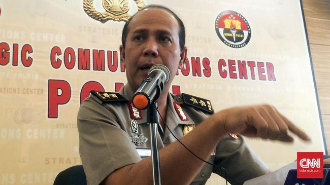 Menurut Kadiv Humas Polri Irjen Boy Rafli Amar, polisi tidak bisa mengkonfirmasi keterangan tersebut dari Fredi yang kini sudah tewas dieksekusi.