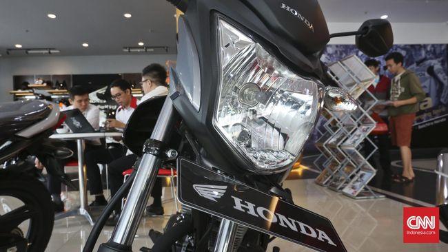 Ada cara murah dan aman untuk mengurangi getaran di batok atau bodi motor karena terlalu sering digunakan. Biayanya hanya Rp 10 ribu saja.