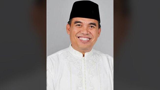 Bupati Jepara, Ahmad Marzuqi diduga memberi suap pada hakim Pengadilan Negeri Semarang, Lasito. Keduanya sudah ditetapkan sebagai tersangka oleh KPK.