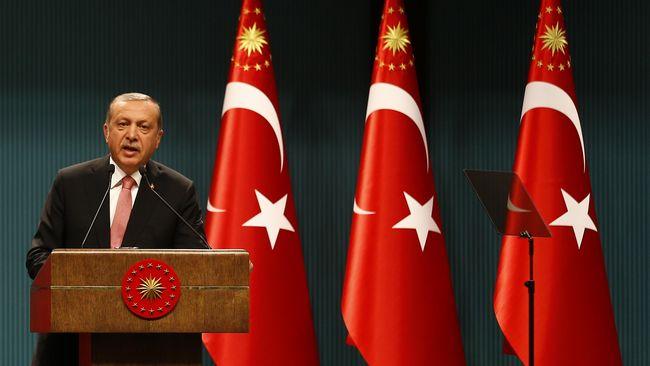 Menteri Pertahanan Turki mengatakan bahwa 311 tentara, termasuk sembilan jenderal yang dituding terlibat upaya kudeta dua pekan lalu masih melarikan diri.