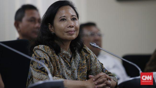 Menteri Badan Usaha Milik Negara (BUMN) Rini Soemarno menandatangani akta pengalihan saham dalam pembentukan induk usaha (holding) BUMN pertambangan.