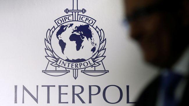 Amerika Serikat mendorong calon dari Korea Selatan, Kim Jong Yang untuk memimpin badan polisi internasional Interpol, untuk menandingi kandidat dari Rusia.
