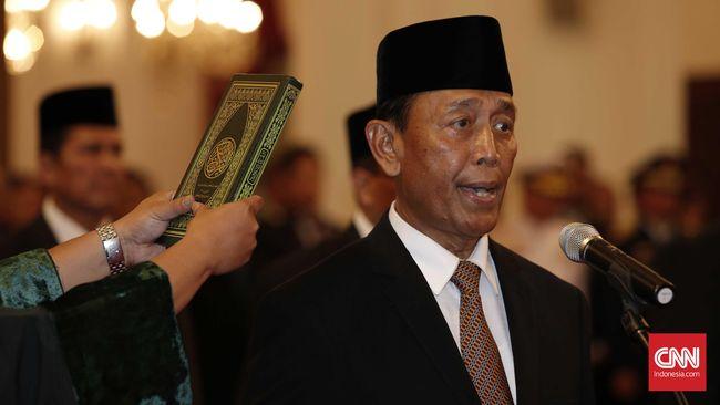 Old soldier never die. Jenderal yang pernah mendampingi Soeharto, kembali. Meski namanya pernah masuk daftar penjahat perang, langkahnya cukup mulus.